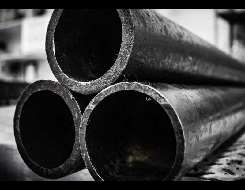 El Tubo Cédula 40 es el material ideal para usos que requieran una gran resistencia estructural debido a que está elaborado con acero de alta calidad y galvanizado uniforme que lo hace resistente a la corrosión.
