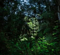 """Projeção 3D mapping dos índios SURUI PAITER para o projeto """"Floresta de Sangue"""" do fotógrafo Philippe Echaroux"""