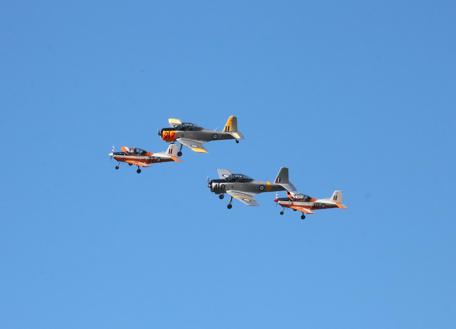 Kyneton Air Show 2017 – Part III: RAAF Roulettes & Heritage Trainer Flight