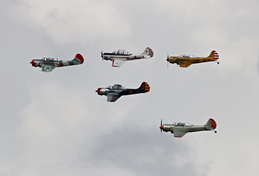 Kyneton Air Show 2017 – Part II: Yak-52 Formation Team