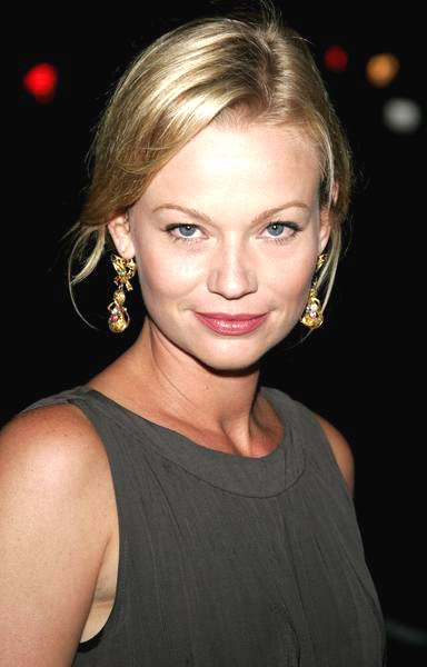Samantha Mathis Picture 1  The Queen Los Angeles Premiere