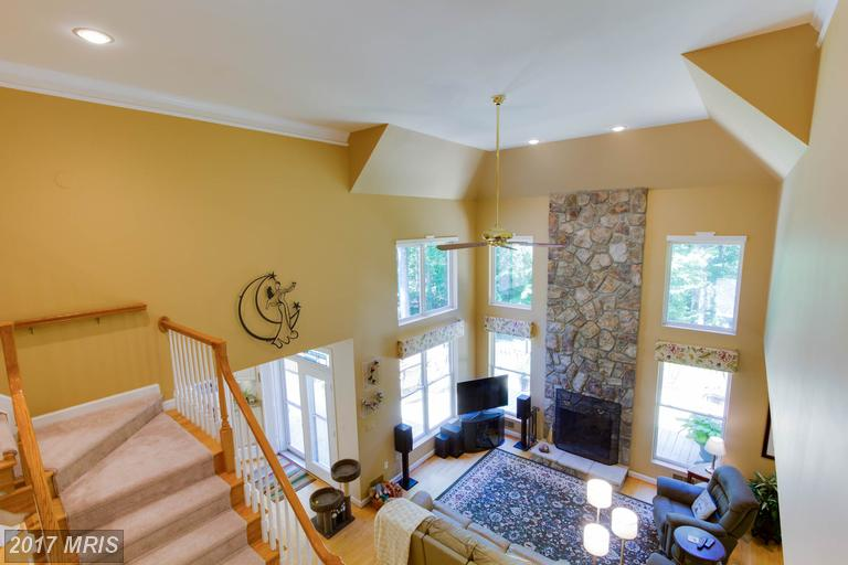 12712 Melville Lane, Fairfax, VA - Upstairs View