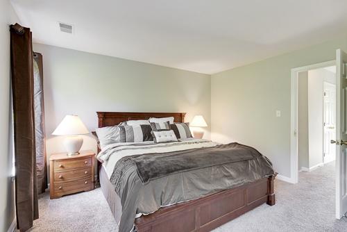 6962 Village Stream Place, Gainesville VA 20155 - Master Bedroom