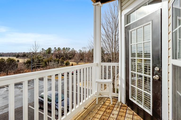 507 Sunset View  Ter. SE #203 ​Leesburg, VA - Balcony