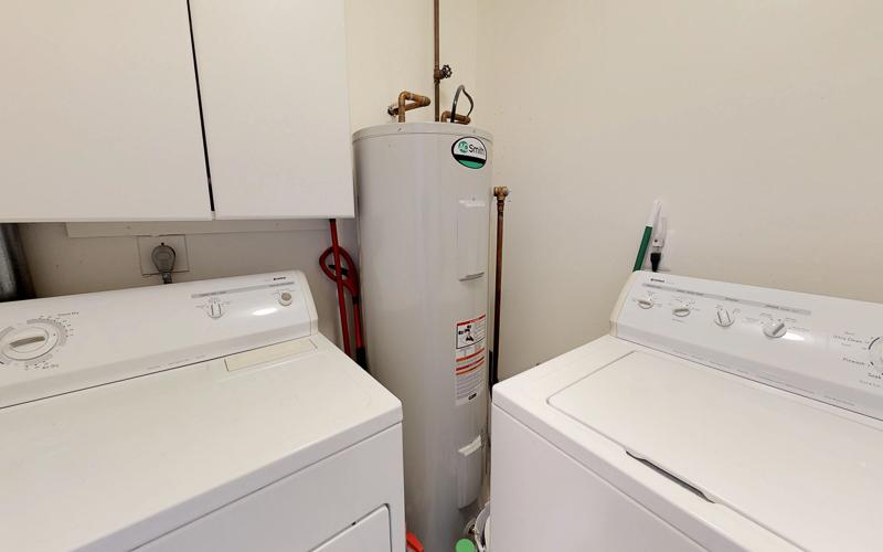 7712 Frances Drive, Alexandria  - Laundry