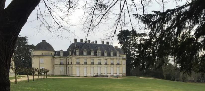 Votre Château - Your Castle