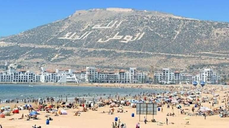 الإنعاش التدريجي للسياحة المغربية .. أكادير تستقبل أول مجموعة من السياح البريطانيين