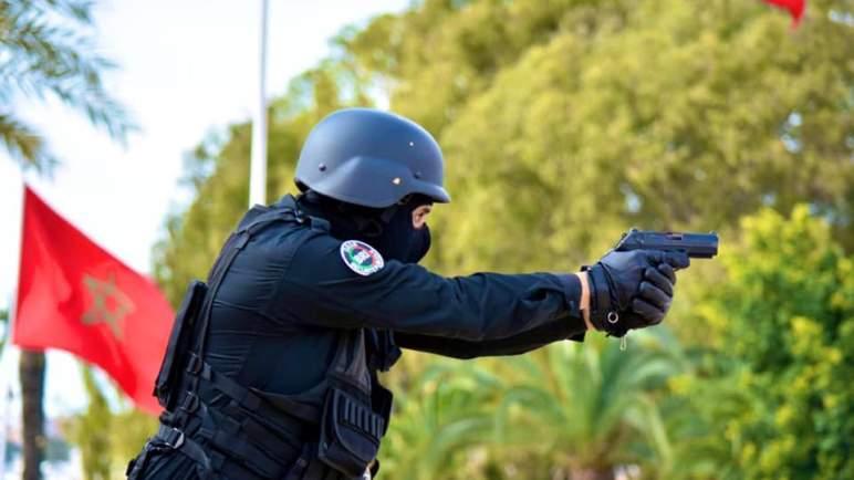 الأمن يطلق الرصاص على مسلح عرض حياة مواطنين وأمنيين للخطر بتيفلت