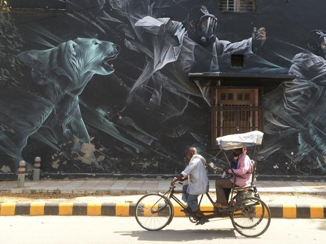 Street Art Covid et Immobilier Coronavirus acheter en Espagne 012