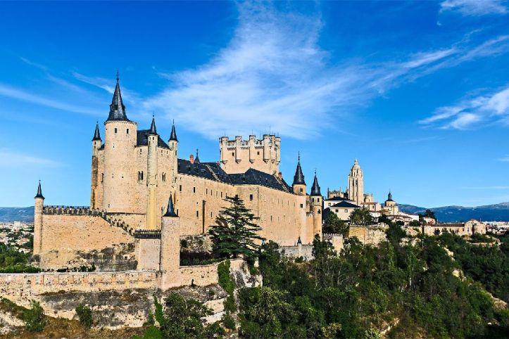 Alcazar de Segovie Castille architecture acheter immobilier en Espagne 1