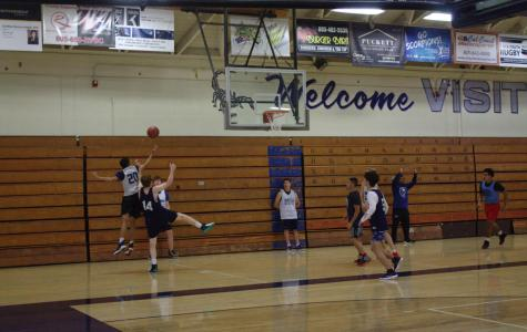 Cam High's Varsity Basketball Team Breaks 40 Year Record