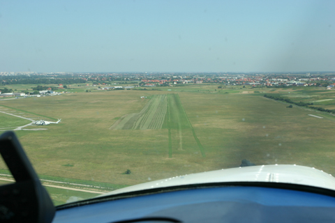 On final for RWY 10
