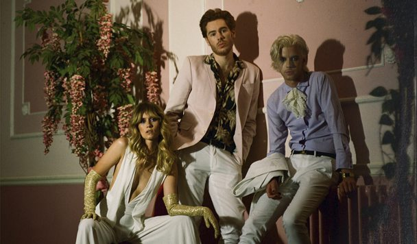 Crystal Bats - 'Killing Me' (ft. Whinnie Williams)