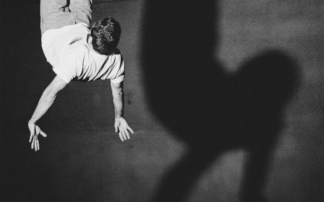 Moullinex – Running in The Dark (feat. GPU Panic)