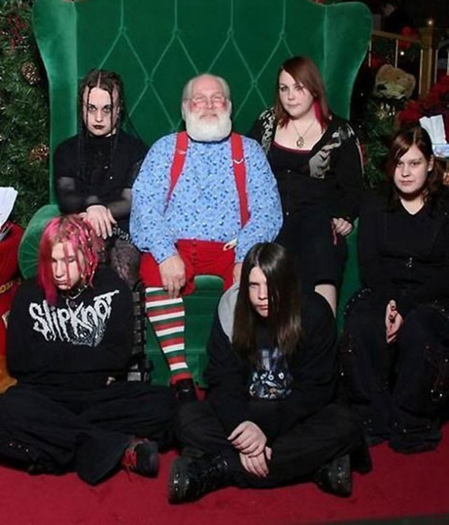 The-21-Most-Awkward-Family-Photos21