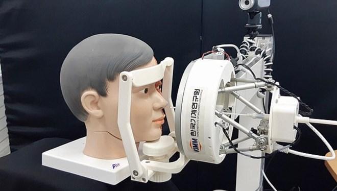 Güney Kore koronavirüs testi için robot üretti