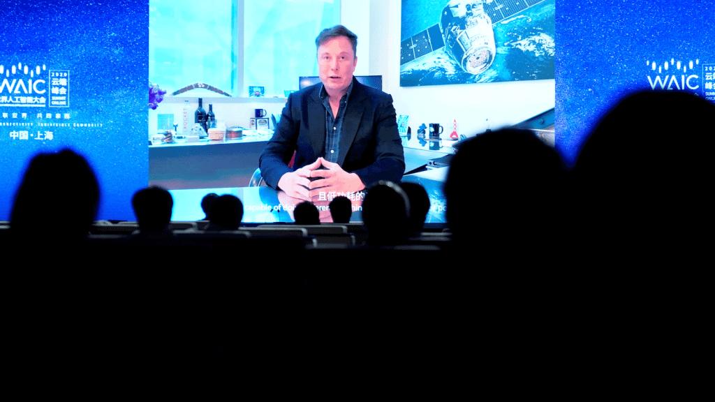 Elon Musk insan beynini bilgisayara bağlayan Neuralink'in tanıtımını yaptı