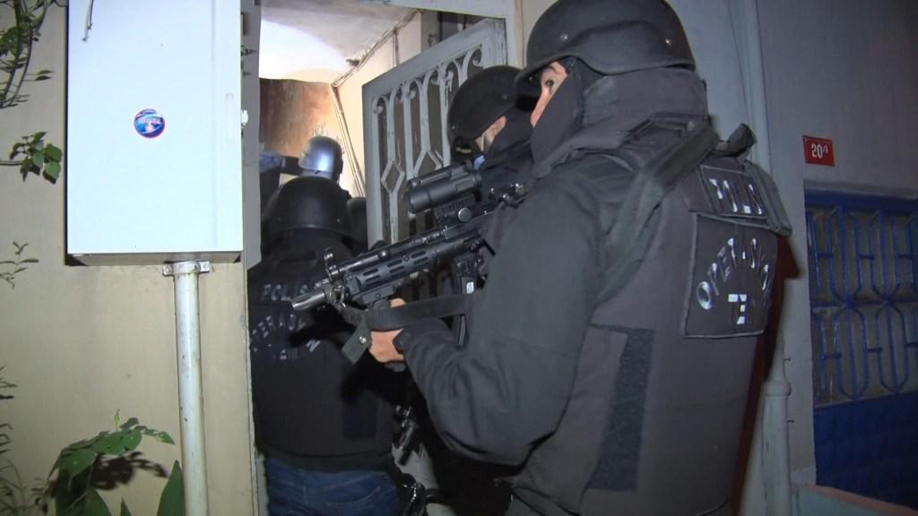 İstanbul'da eş zamanlı terör operasyonları!