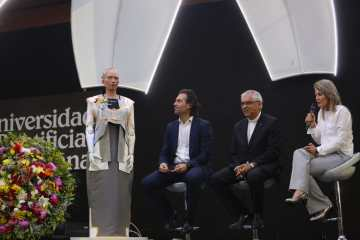 sophia, la robot humanoide en Medellín