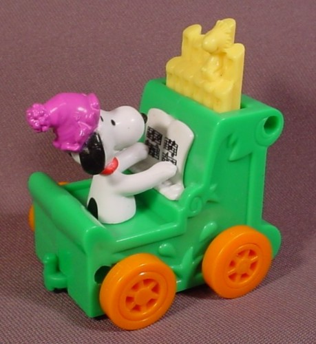 Snoopy On A Pipe Organ Car Toy Pipes Move Up Down As It