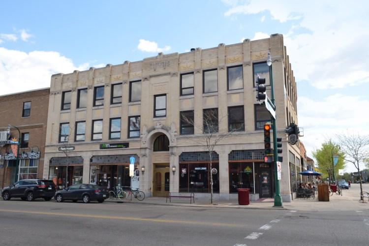 Iron Door Pub, Lyn-Lake Building