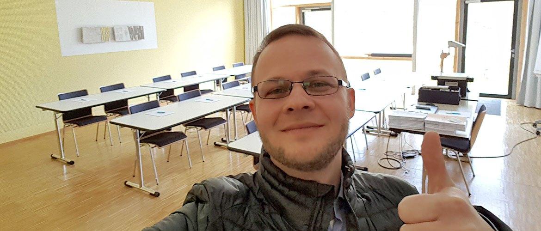 Heller Unterrichtsraum
