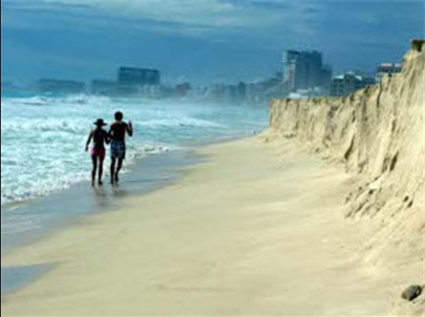 Cancun Ida Km 9 091111 02