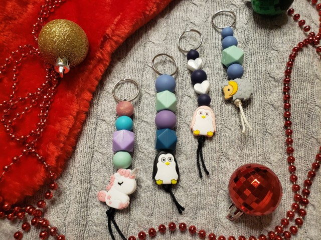 Four keychains with animal beads
