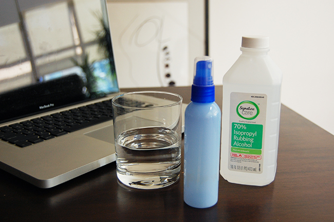 How to clean a laptop screen using distilled water and rubbing alcohol