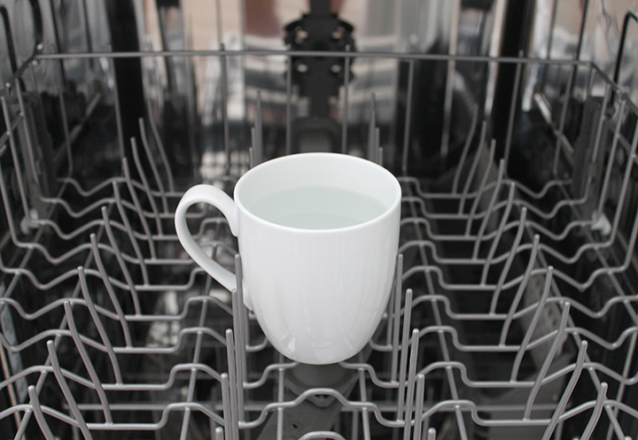 The best way to clean a dishwasher