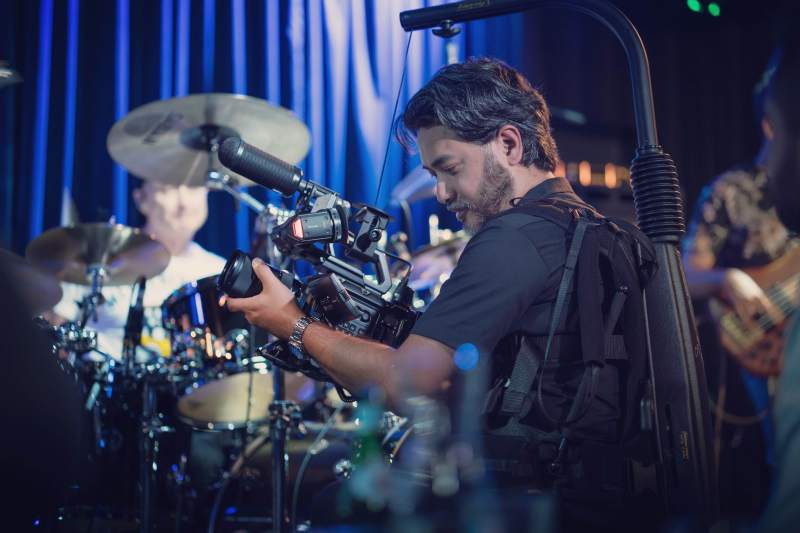 Clinton Harn shooting a documentary with the Vario 5 in Melbourne - PHOTO Timothy Tan