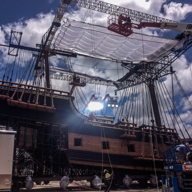 Preparing one of the many lighting rigs on 'Pirates of the Caribbean; Dead Men Tell No Tales' - PHOTO Martin Schaer