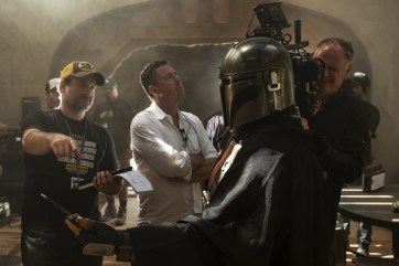 Director Dave Filoni, with cinematographers Greig Fraser ACS ASC and Baz Idoine on the set of 'The Mandalorian' - PHOTO François Duhamel