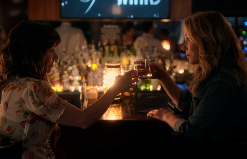 Linda Cardellini as Judy and Christina Applegate as Jen in season two of 'Dead to Me' - DOP Toby Oliver ACS, PHOTO Netflix