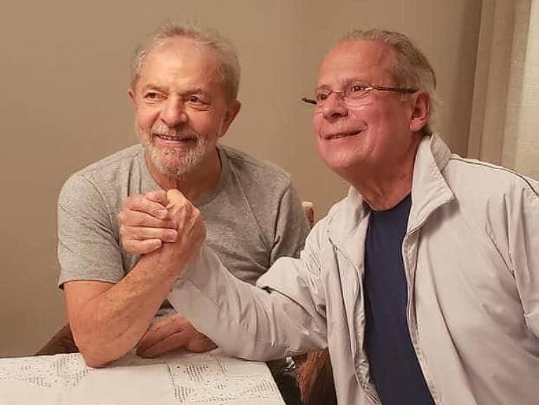 Veja vídeo: Dirceu reencontra Lula e diz que luta agora é retomar o governo