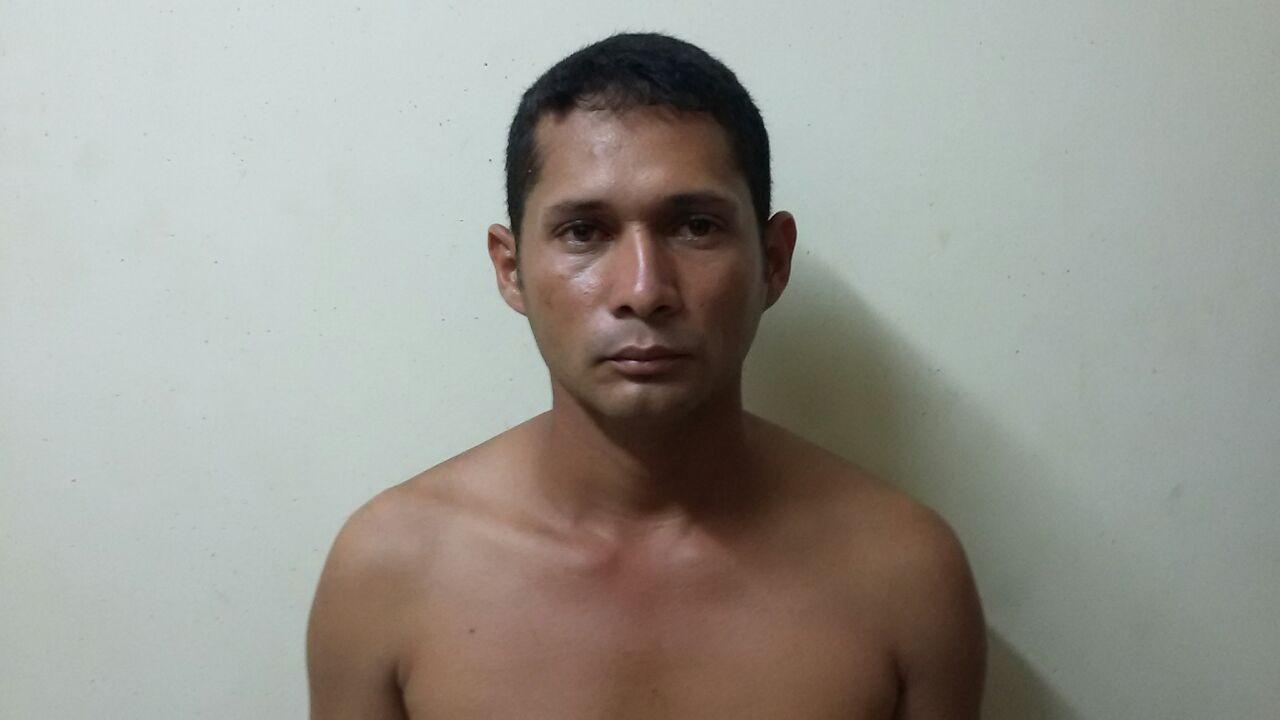 Durante bebedeira em Feijó, homem esfaqueia e mata o marido da própria irmã; autor do crime é preso