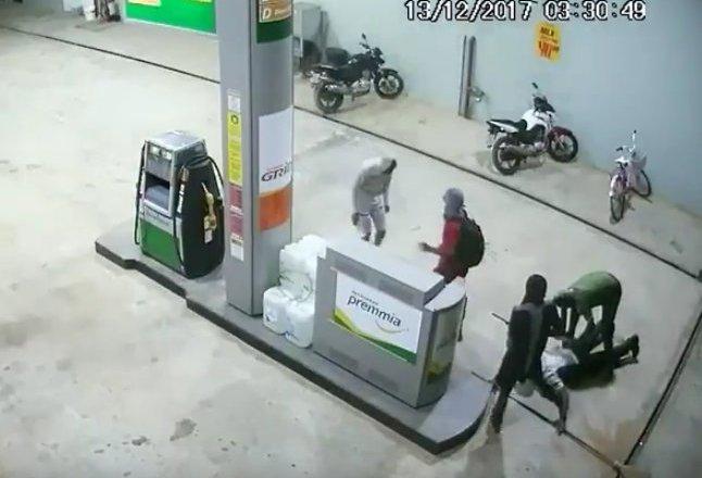 TARAUACÁ: Bandidos armados assaltam Auto Posto Estradão