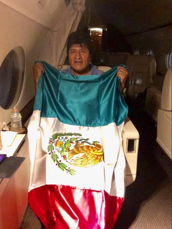 Você não acreditará no que disse Evo Morales no Twitter, apesar de asilado no México