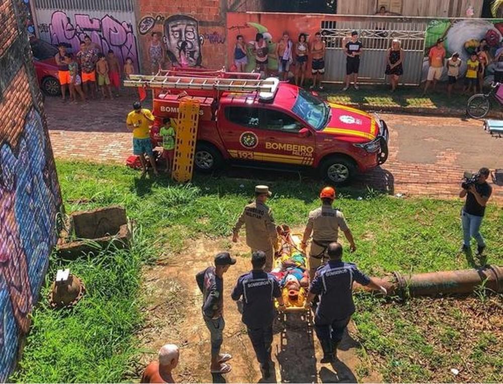 Em Rio Branco, garoto de 13 anos sobrevive após cair em cisterna abandonada com 10 metros de profundidade