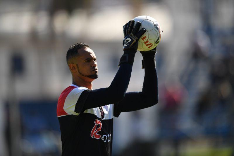 Ministério Público solicita que tornozeleira seja retirada do goleiro Bruno durante os jogos