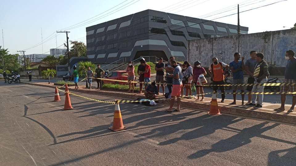 Funcionária do Araújo morre ao ser atropelada por BMW que fazia racha em avenida