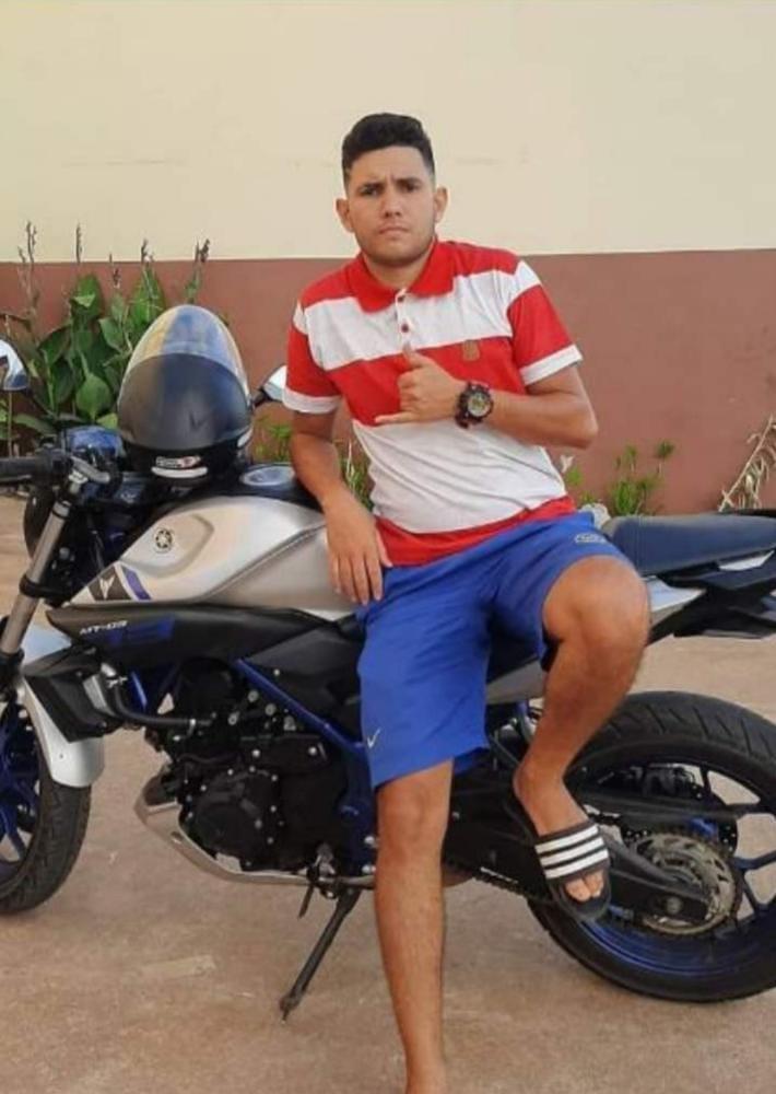 Jovem morre ao perder controle de motocicleta em estrada de Rio Branco