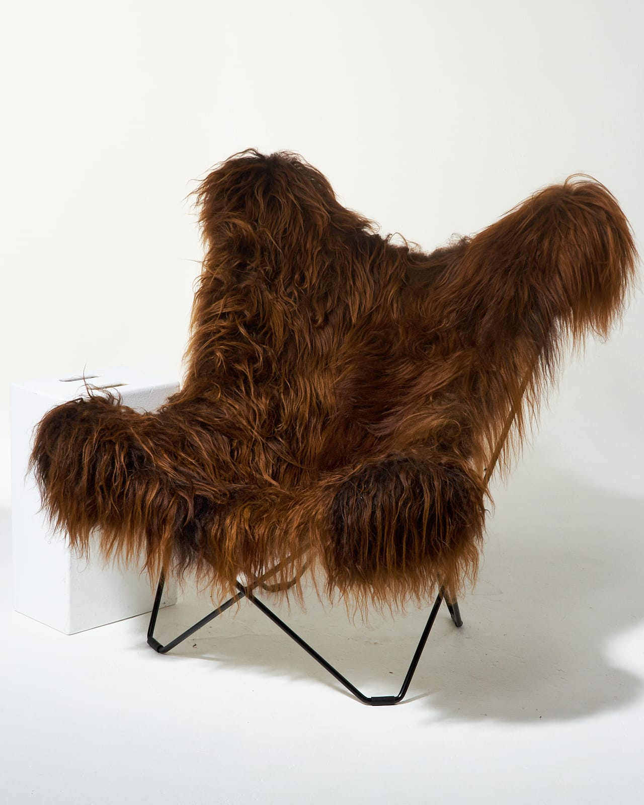Fur Butterfly Chair Ch404 Bacca Fur Butterfly Chair Prop Rental Acme Brooklyn
