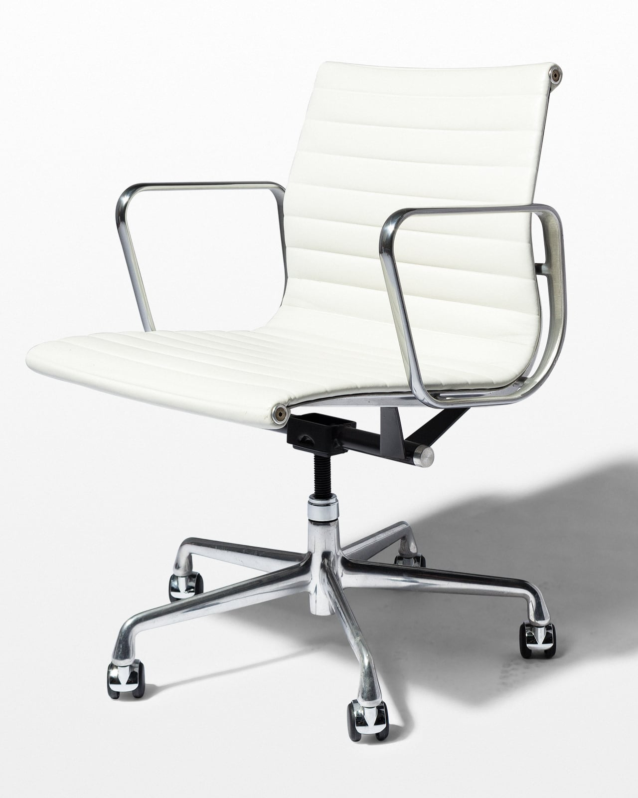 White Rolling Chair Ch562 Dennis White Leather Rolling Chair Prop Rental