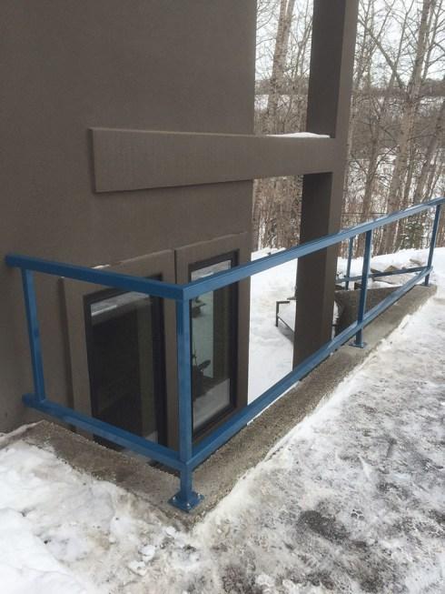 Steel guard rail
