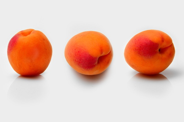 Apricot juice for pimples