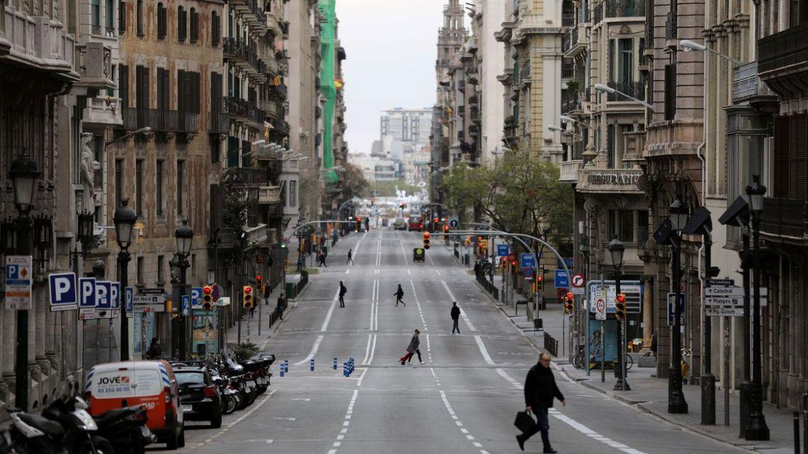 Covid-19: Espanha vai conceder auxílio mensal a famílias mais pobres