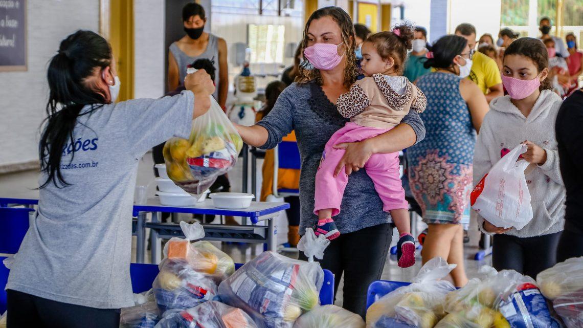 Entrega de marmitex nos colégios municipais já beneficiaram mais de 250 mil famílias parnaibanas