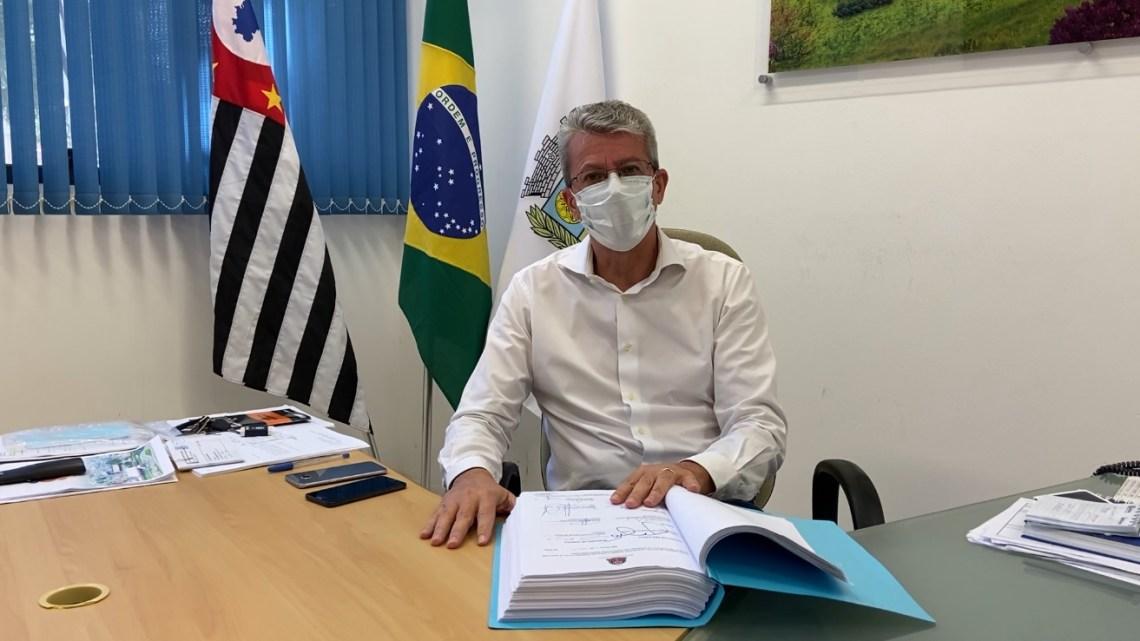 Prefeito Paulo Barufi fala à população sobre contrato com a Sabesp