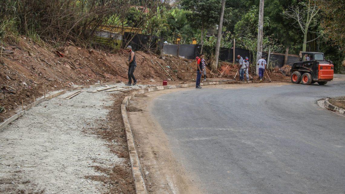 Prefeitura de Santana de Parnaíba realiza o maior programa de mobilidade e avança com pavimentações e implantação de calçadas
